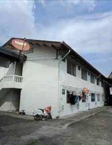 ขายกิจการ ห้องเช่า หอพัก มี 186 ห้อง จำนวน 6 อาคาร ห้องบนเนื้อที่ 4 ไร่ อยู่หลังวัดสิงห์